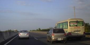 Những điều cần chú ý khi lái ôtô đường dài