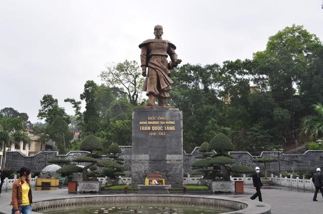 Đền Cửa Ông – Quảng Ninh